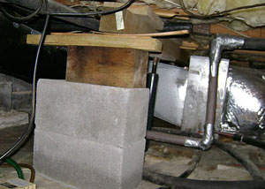 a poorly designed crawl space support system installed in a Dundas home